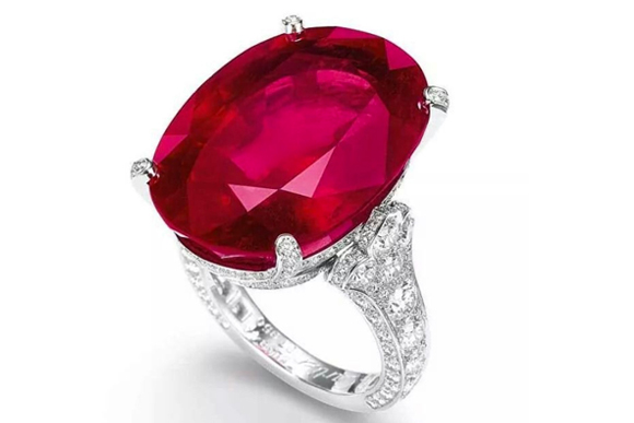 #5 The Mose Expensive Ruby - A Cartier Ring in Rubies and Diamonds ($ 7,379,953)