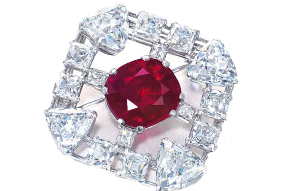 #4 The Mose Expensive Ruby - A Cartier Pin in Ruby and Diamond ($ 8,428,127)