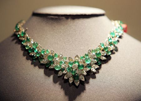 Most Expensive Emeralds in the World - #5 Queen Marie Jose's Emerald and Diamond Necklace