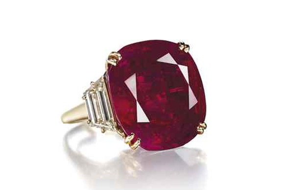 #6 The Most Expensive Rubies - The Patiño Ruby and Diamond Ring ($ 6,736,750)