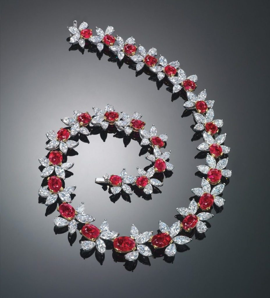 Top 10 most expensive diamond necklace - The red scarlet