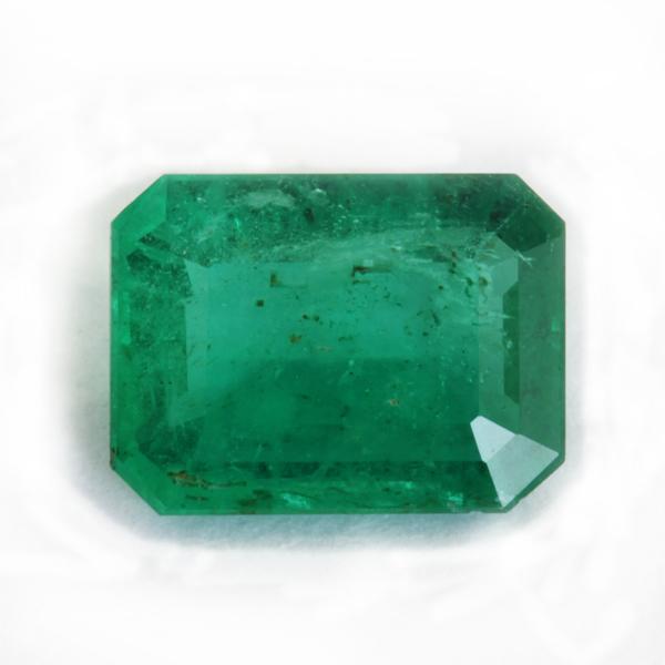 Emerald of poor purity