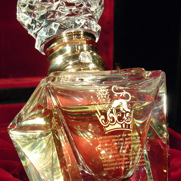 The Most Expensive Perfume in the world | Clive Christian No.1 Imperial Majesty Close up.