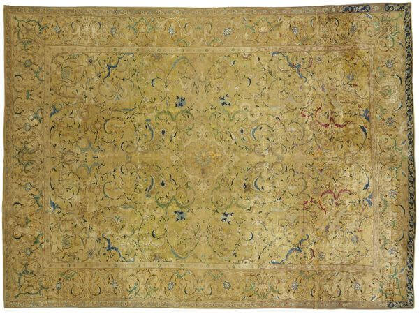 #4 most expensive rugs in the world - A Silk Isfahan Rug - $ 4.45 million