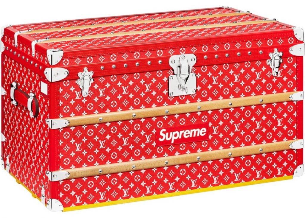 The most expensive Supreme item in the world - Lv x Supreme trunk - $ 125,000