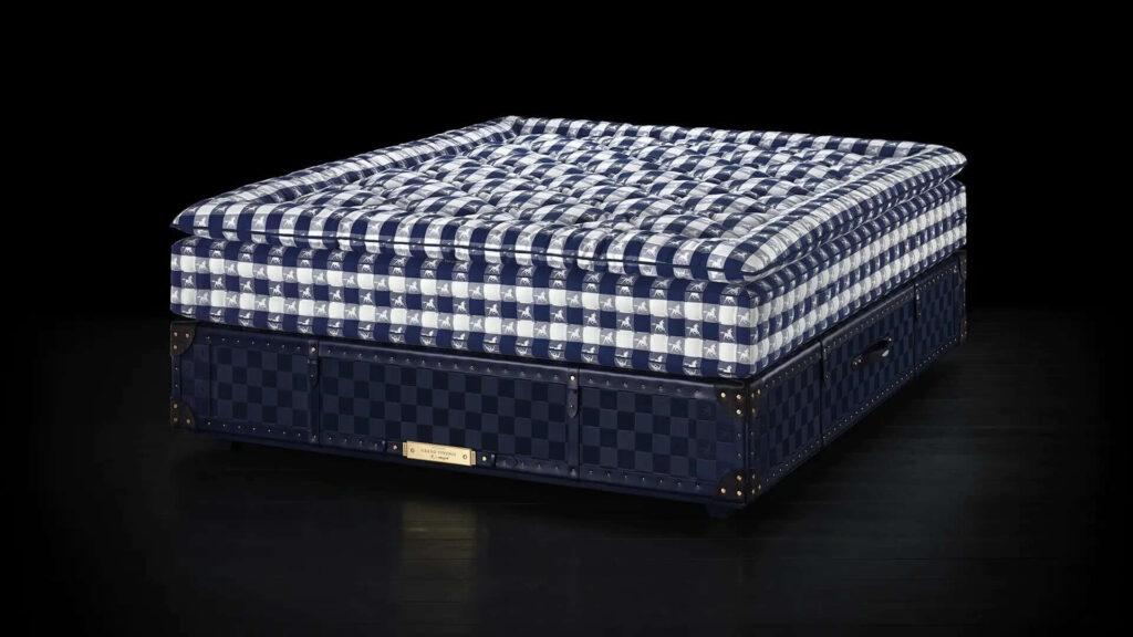 #3 most expensive mattress - Hästens Vividus - $ 140,000